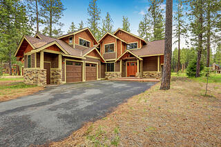 house_on_wooded_lot