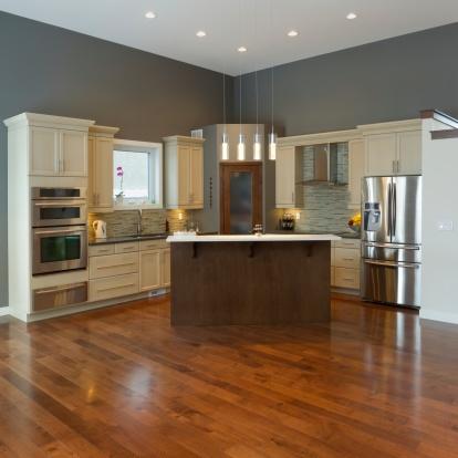 kitchen_with_hardwood_floors