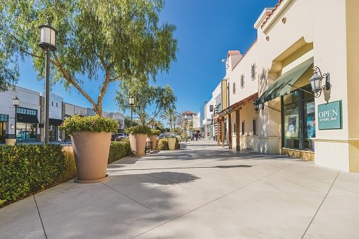 commercial property shopping center
