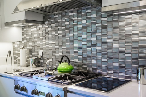 stylish_kitchen_backsplash
