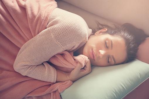 644234536_woman with blanket.jpg