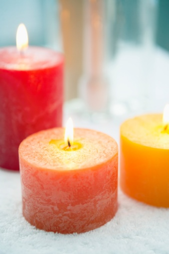 home_candles_burning