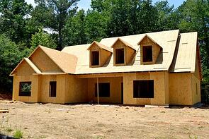 custom home under construction_685166422