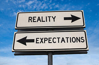 reality vs expectations sign_1655125261