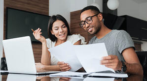 couple looking at construction financing options